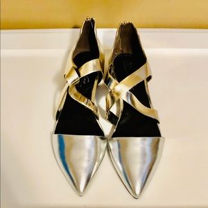 Kenneth Cole Silver and Gold Metallic Sandals!